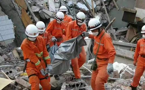 消防员救险救援